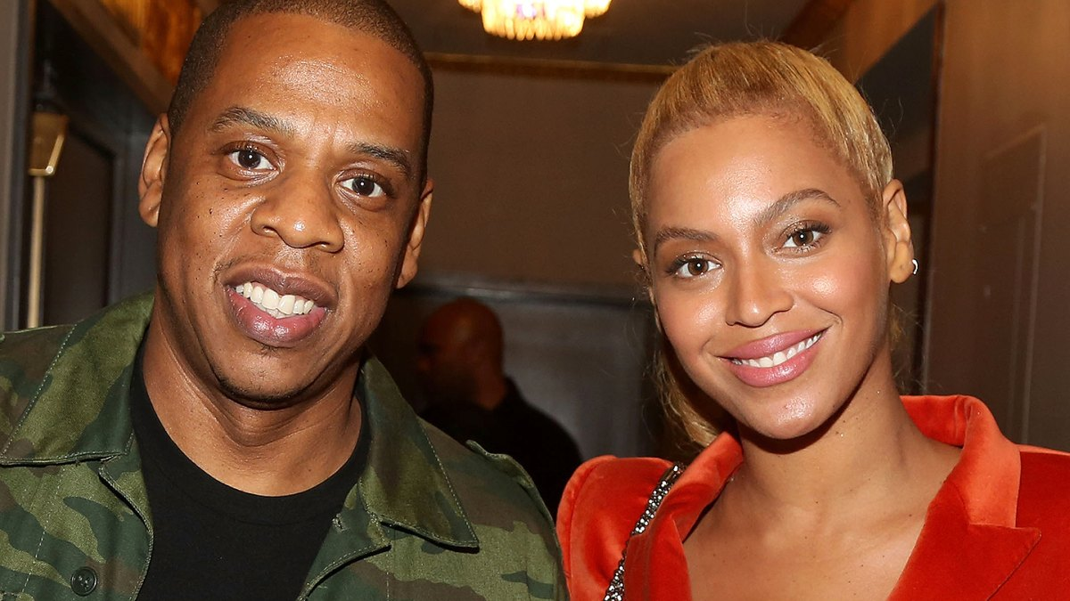 Beyonce And Jay Z Share A Kiss Before Soulcycle Workout