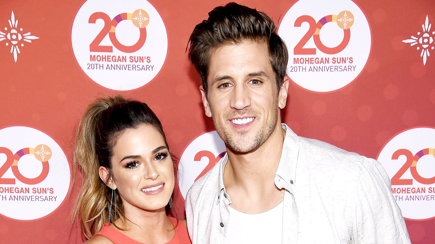 jojo-fletcher-and-jordan-rodgers-zoom-b6157755-961f-4d6e-84c9-f772318fed99