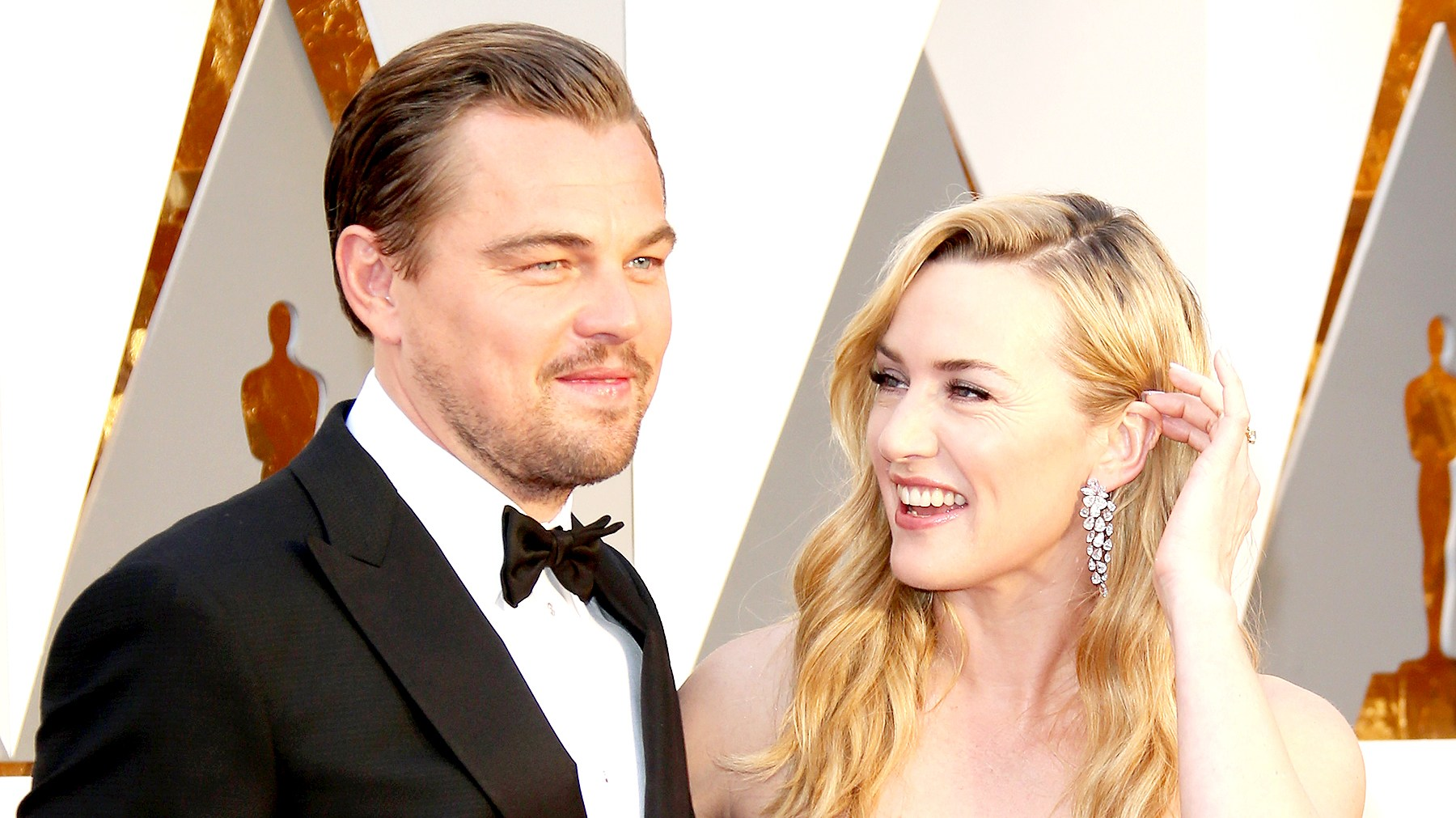 Leonardo DiCaprio and Kate Winslet attend the 88th Annual Academy Awards at Hollywood & Highland Center on February 28, 2016 in Hollywood, California.