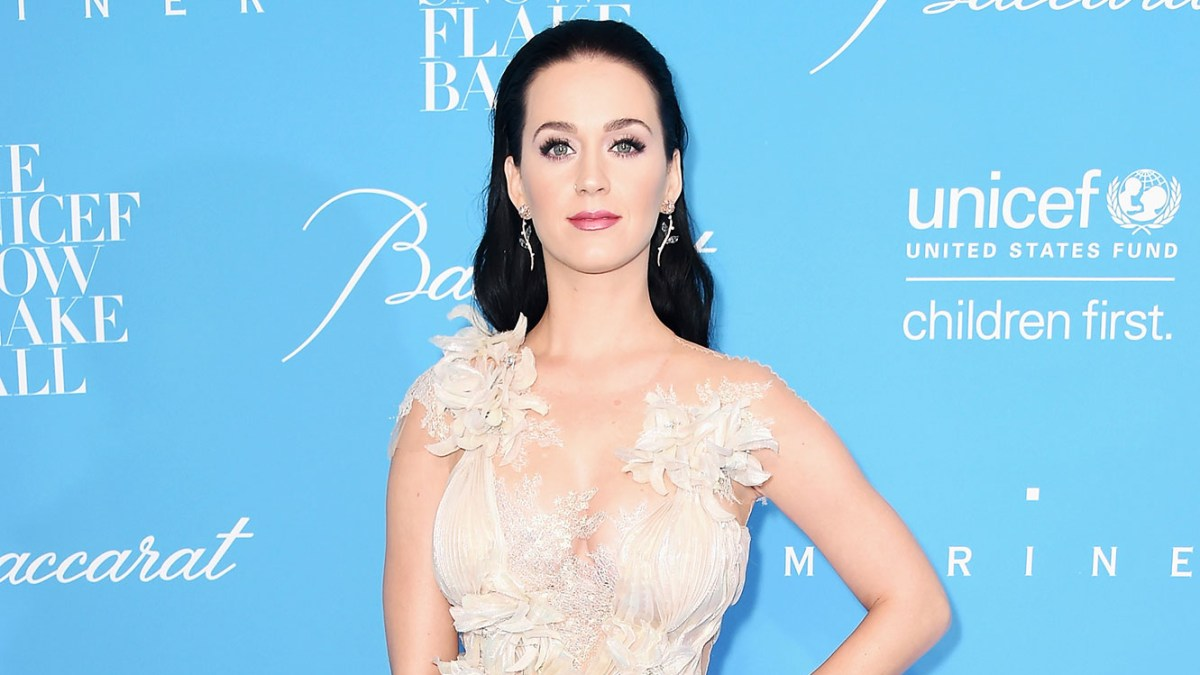 2e432e7a7bc4 Katy Perry, Orlando Bloom Hit Red Carpet Together: Video