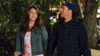 gilmore girls scott patterson teases more new episodes after netflix reboot. Black Bedroom Furniture Sets. Home Design Ideas