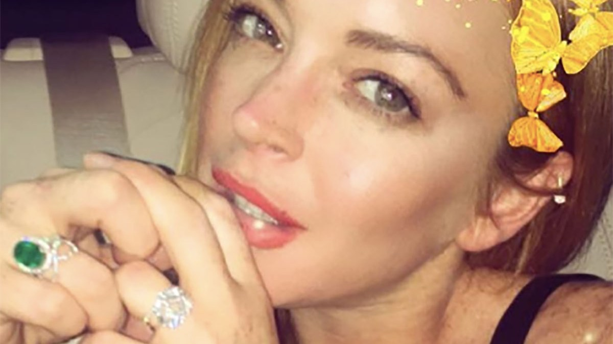 Lindsay Lohan Shows Off Her Engagement Ring After Cheating Scandal