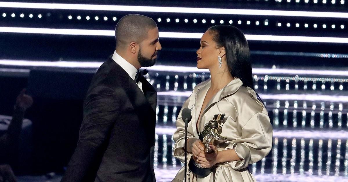 Drake Tells Rihanna He Loves Her Fans Beg For Proposal