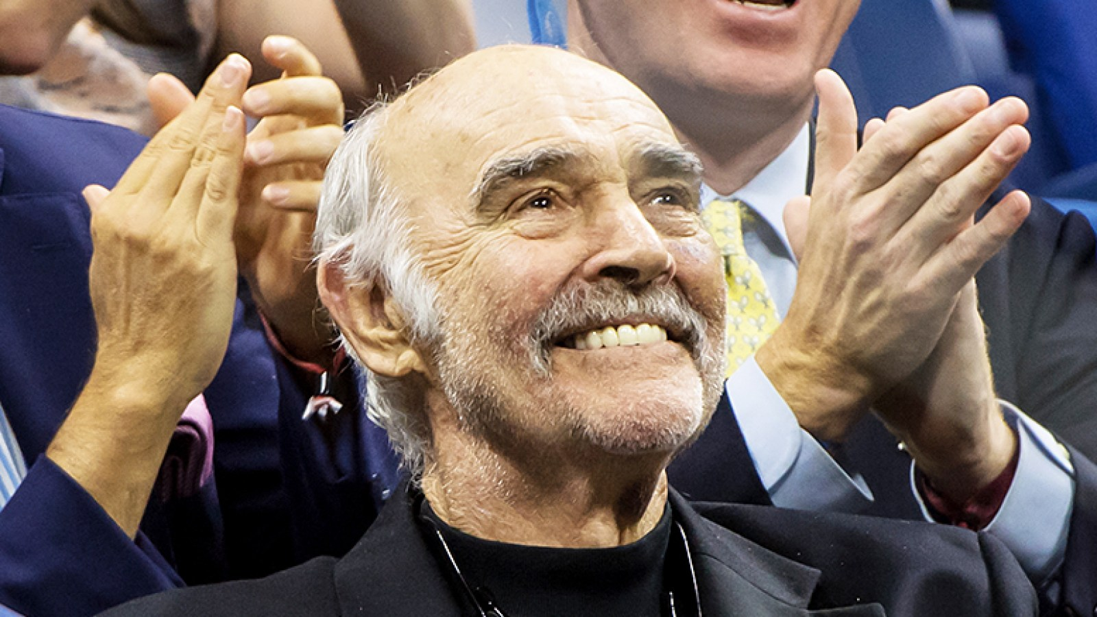 Sean Connery Laughs As James Bond Theme Song Plays At Us Open