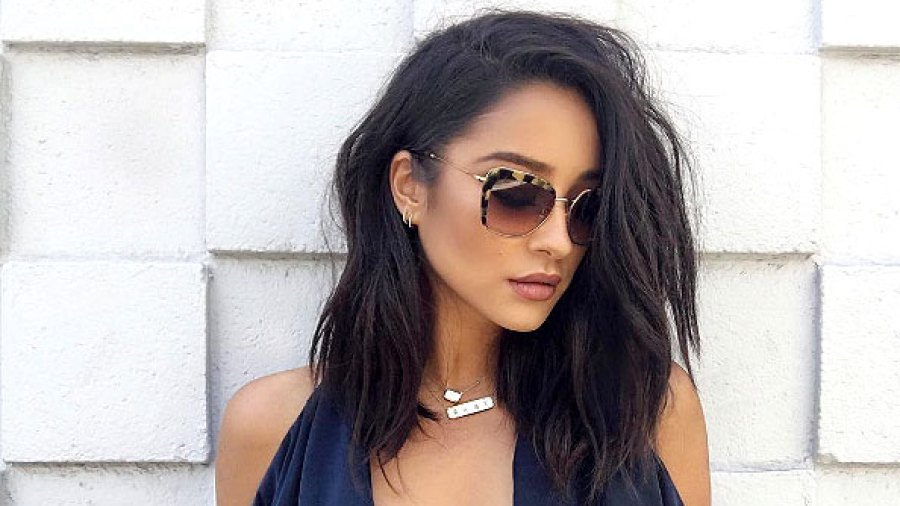 Shay Mitchell Cut Her Long Waves Into A Lob Hairstyle Before After Pics