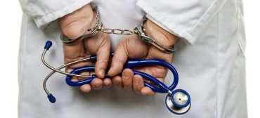 लागुऔषध कारोवार आरोपमा मनिपालका  चिकित्सक पक्राउ