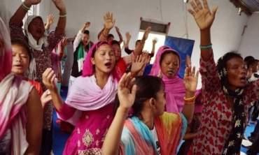 अब धर्म परिवर्तन गर्ने र गराउनेलाई ५ बर्षको जेल
