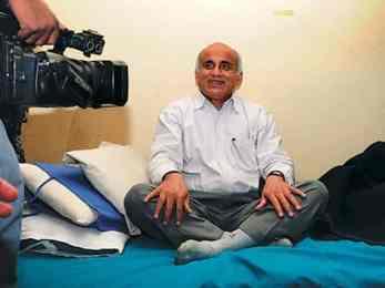'डाक्टर केसी कांग्रेसको कार्यकर्ता नभए गगन थापाको पक्षमा निर्वाचनमा किन मत माग्नुभयो ?