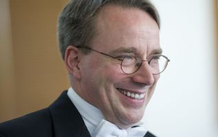Linux creator Linus Torvalds takes time off, apologizes for behavior 2