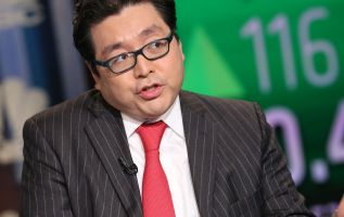 Tom Lee predicts a 10% bounce for stock market after midterm elections 2