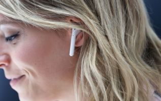 Apple will launch new AirPods in 2019, sales expected to grow 2