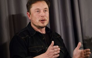 Elon Musk says Tesla to pay customers for missed tax credits 3