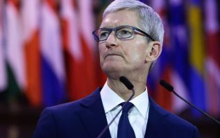 Apple falls after Qualcomm injunction in China bans most iPhone sales 3