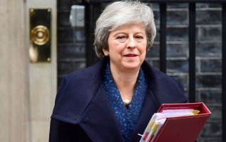 May to face confidence vote on Wednesday 3