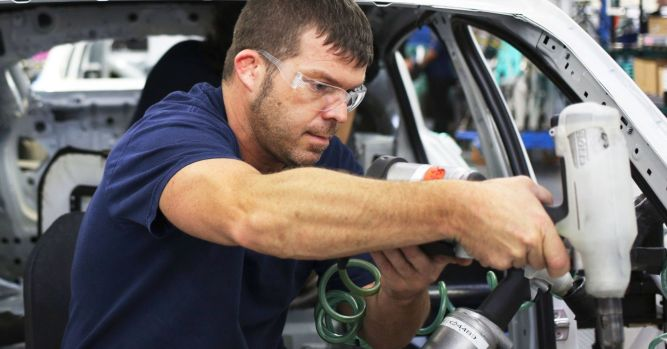 BMW adds models, boosts production in US 4