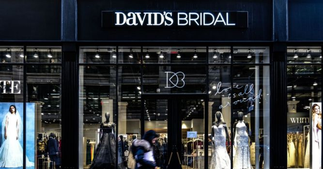 Millennial brides force David's Bridal to try something new 1