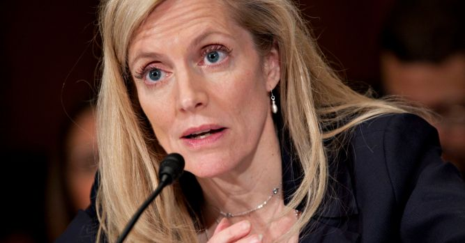 Fed's Brainard calls for 'watchful waiting' on rate moves 8