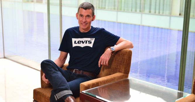 Levi Strauss shares open at $22.22 in IPO 6