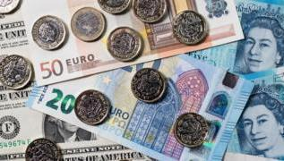 Pound hits three-year dollar low in Brexit turmoil 3