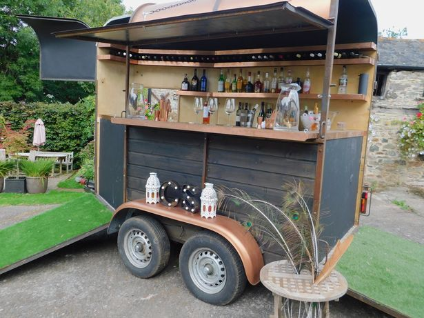 Three friends from Devon set up mobile pub business in a horsebox 5