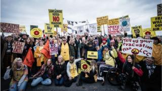 Slow progress for fracking as opposition grows 8