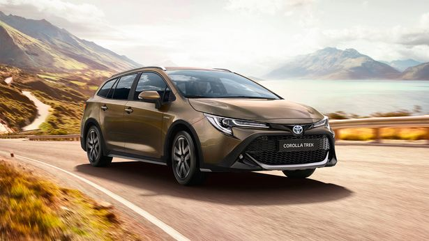 Toyota drops petrol engines as it reveals new versions of Derbyshire-built Corolla for 2020 1