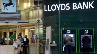 Lloyds Banking Group online services down 1