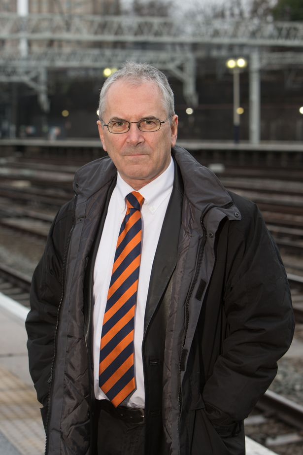 "Network Rail boss tells Northern passengers: ""We have let you down"" 5"