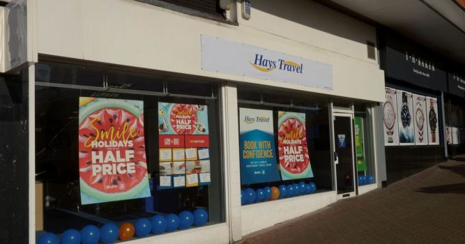 Hays Travel lays off 900 and puts rest of staff on half pay 1