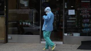 Coronavirus: Record number of Americans file for unemployment 3