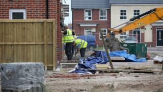 New homes to get 'automatic' permission in England planning shake-up 1