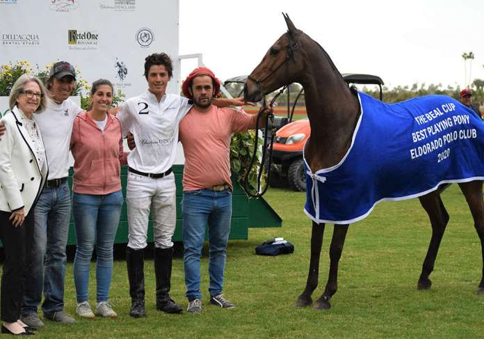 Best Playing Pony: Felina, ridden by Francisco Rodriguez Mera, presented by Karlene Garber, and pictured with Ignacio Saenz, Emilia Soldiver, Gaby Bracamonte.