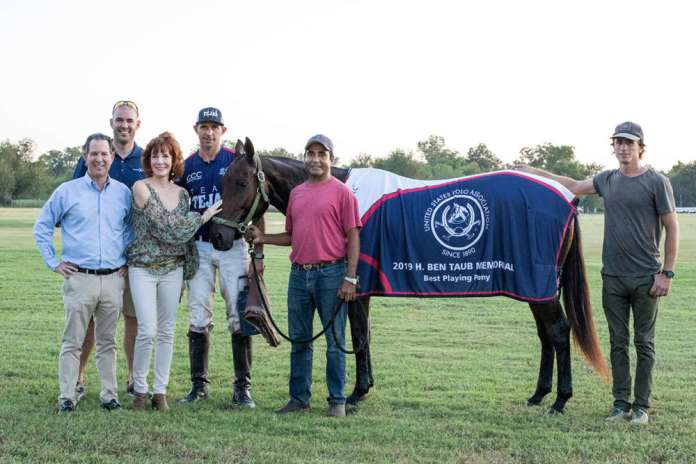 Best Playing Pony: Sevillana, played and owned by Jeff Hall, presented by Kitch and Marcy Taub with Kyle Bodden of Celebrity Cruises, pictured with Dario Arabena and Santi Sherriff.