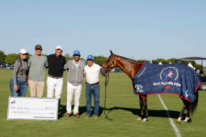 American Polo Horse Association Registered Horse Award: Lufthansa, played by Adolfo Cambiaso, owned by J5 Equestrian, pictured with Tiana Smicklas, Rob Jornayvaz, Bob Jornayvaz and Gustavo Gomez.