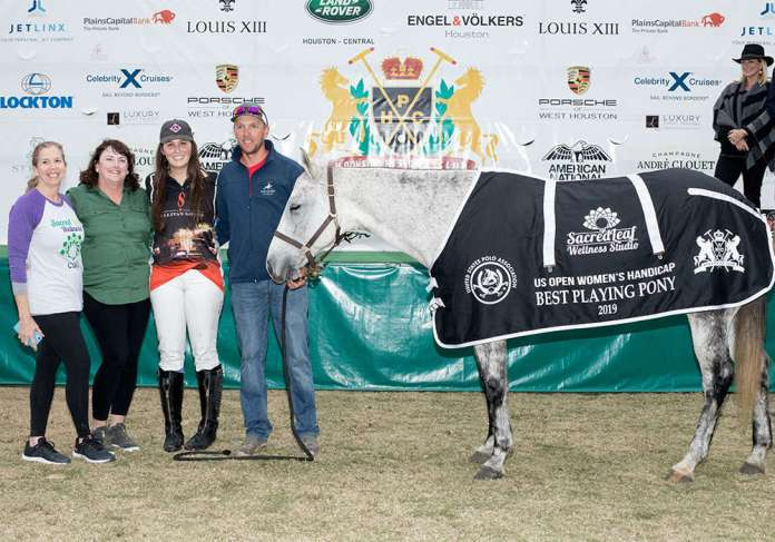 BPP Amateur - Luna, ridden by Cara Kennedy, presented by Leslie Ohayan and pictured with Colleen Williams and Chad Bowman
