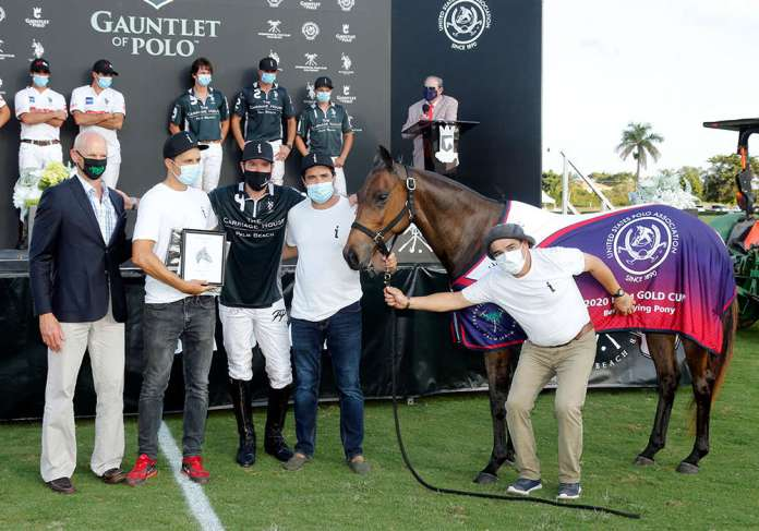 Best Playing Pony of the 2020 USPA Gold Cup® Final: Machitos Pangia, played and owned by Polito Pieres. Presented by Julio Arellano and pictured with Marcos Bignoli, Ceferino Goni and Ricardo Franco.