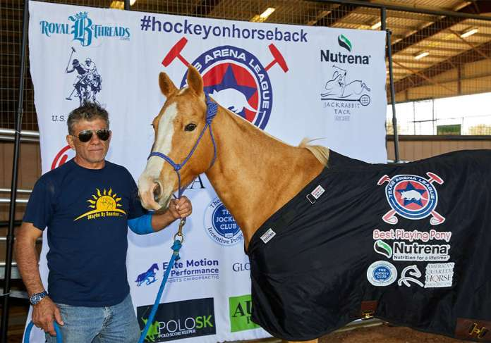 Nutrena Best Playing Pony Sunflower, played by Lalo Ramirez and owned by Villa Ecleto.