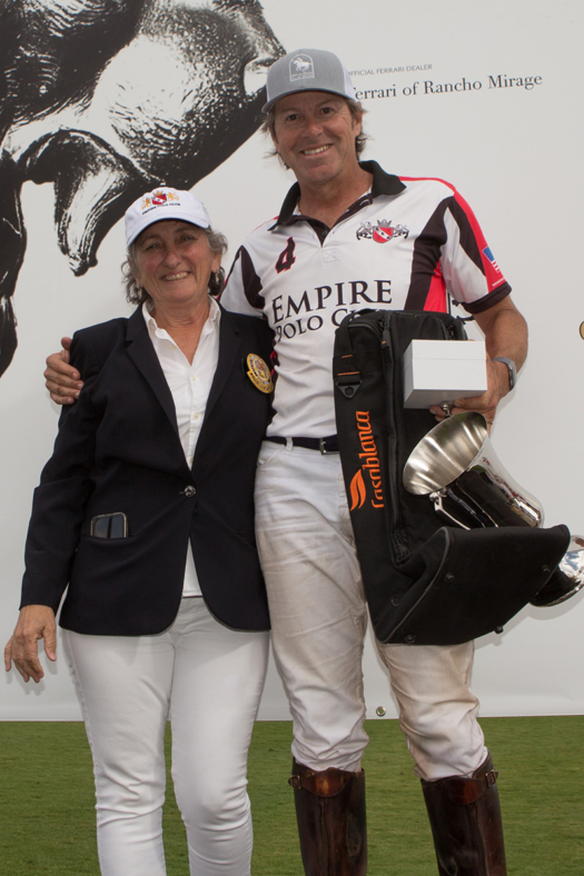 Most Valuable player Robert Payne II, presented by USPA Governor at Large Vicky Owens.