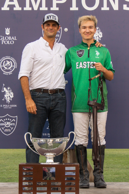 Horsemanship Award Winner Winston Painter. Presented by USPA Executive Director of Services Carlucho Arellano. ©Kaile Roos