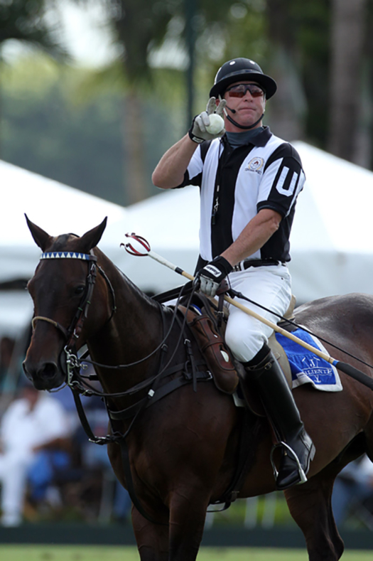 Dale umpiring on a Valiente horse