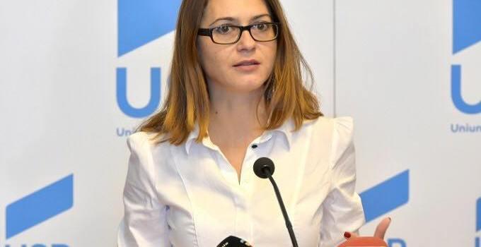 Proiectul senatoarei USR Florina Presadă privind pedepsirea pornografiei non-consensuale, adoptat în unanimitate de Senat