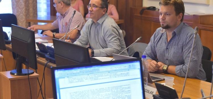 USR solicită PSD să retrimită la Comisia pentru agricultură modificările la Legea apiculturii
