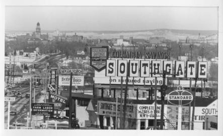 The south entrance to Colorado Springs. (Credit: Penrose Library Digital Collection)