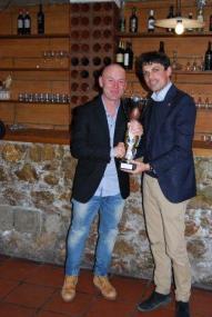 Il vincitore 2014, Federico Sciurpa, premiato dal sindaco di Perugia, Andrea Romizi