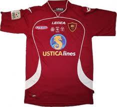 L'orgoglio di vedere il nome di Ustica sulla maglia di una importante squadra di calcio