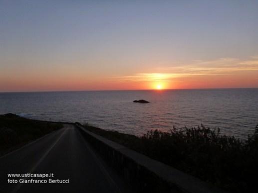 Ustica, scoglio del medico - tramonto