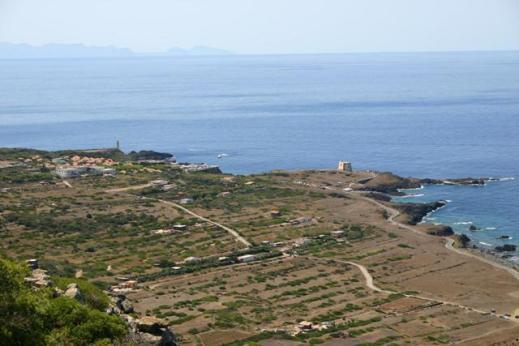 Spalmatore con Faro e torre