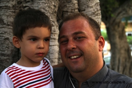 Padre Lorenzo e il nipotino