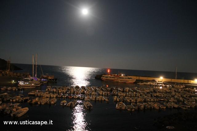 La luna sul porto