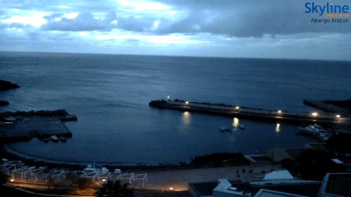 Collegamenti con Ustica 2016-04-10 06.22.36